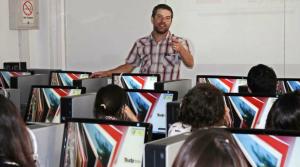 Las clases expositivas cansan a los alumnos y a la voz del profesor