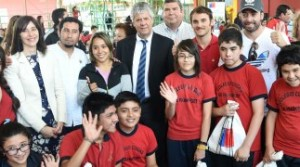 Ministro lanzó con Massú y Tomás González el Plan Nacional de Actividad Física