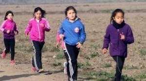 """Niños sueñan una mejor educación y salud para que """"nadie muera esperando"""""""